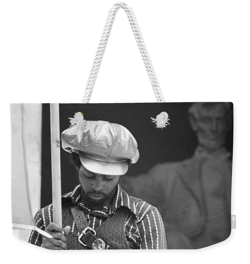 black Panthers Weekender Tote Bag featuring the photograph Black Panthers At The Lincoln Memorial - 1970 by International Images