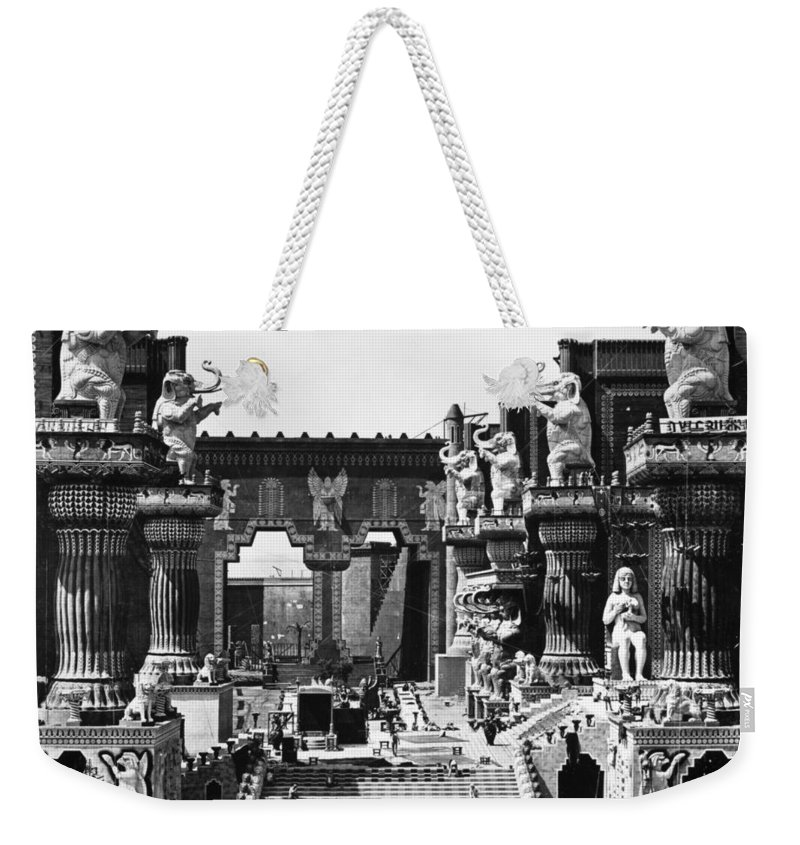 1916 Weekender Tote Bag featuring the photograph Film Set: Intolerance, 1916 by Granger