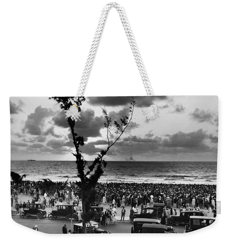 1927 Weekender Tote Bag featuring the photograph Florida: Miami Beach, 1927 by Granger