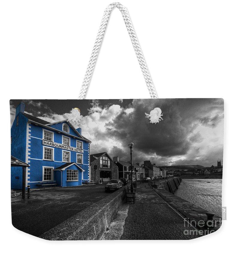 Harbourmaster Weekender Tote Bag featuring the photograph Harbourmaster Hotel by Rob Hawkins