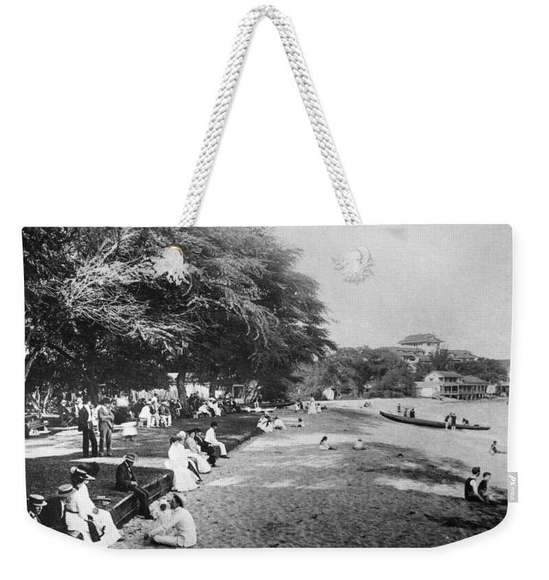 1914 Weekender Tote Bag featuring the photograph Hawaii: Beach, C1914 by Granger