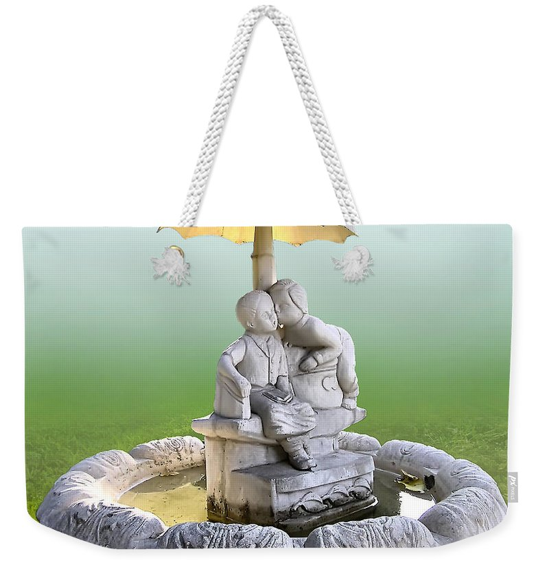 2d Weekender Tote Bag featuring the photograph Kitsch Kiss by Brian Wallace