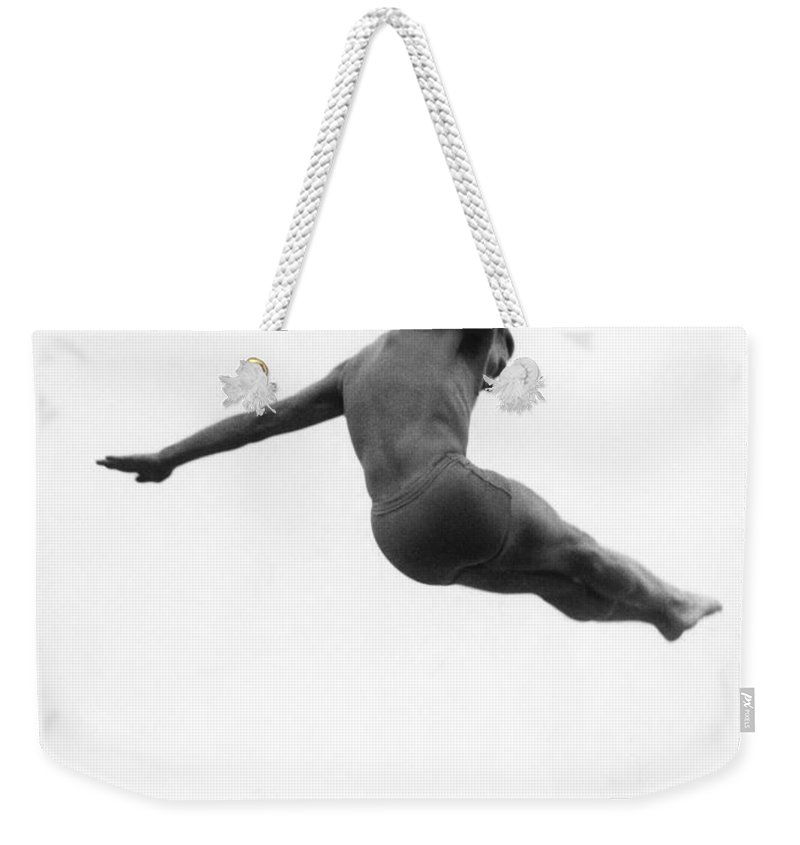 1952 Weekender Tote Bag featuring the photograph Miller Anderson (1922-1965) by Granger