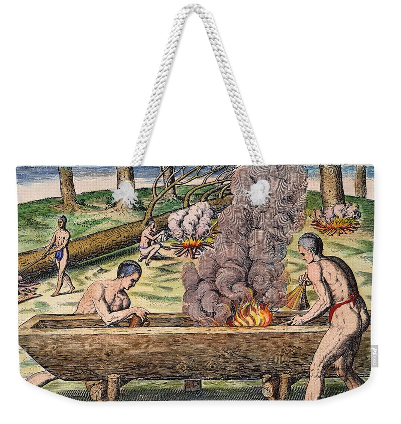 1590 Weekender Tote Bag featuring the photograph Native Americans: Canoe, 1590 by Granger