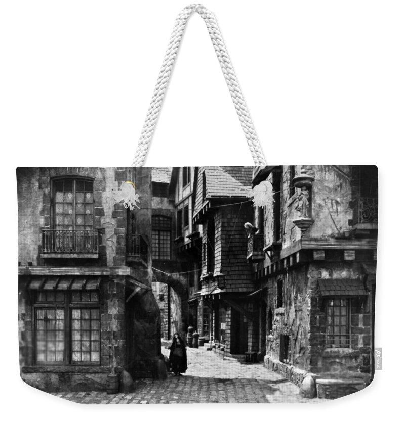 18th Century Weekender Tote Bag featuring the photograph Orphans Of The Storm, 1922 by Granger