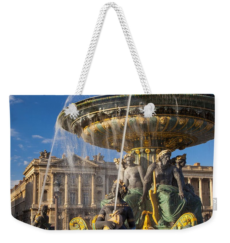 Architectural Weekender Tote Bag featuring the photograph Place De La Concorde by Brian Jannsen