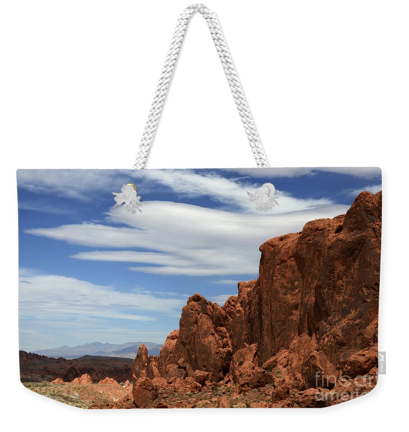 Valley Of Fire Weekender Tote Bag featuring the photograph Red Rock Cliffs Valley Of Fire Nevada by Bob Christopher