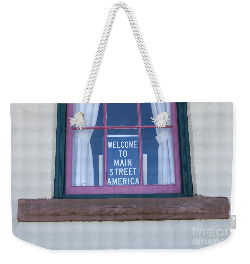 Wurlitzer Weekender Tote Bag featuring the photograph Route 66 Welcome Sign by Bob Christopher