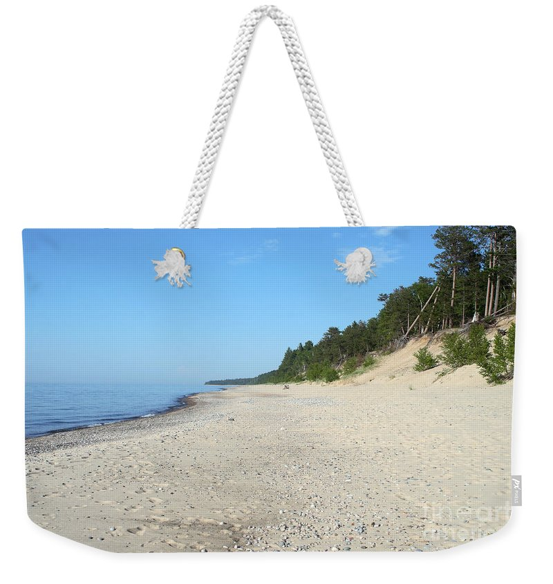 National Park Weekender Tote Bag featuring the photograph Shore Of Lake Superior by Ted Kinsman