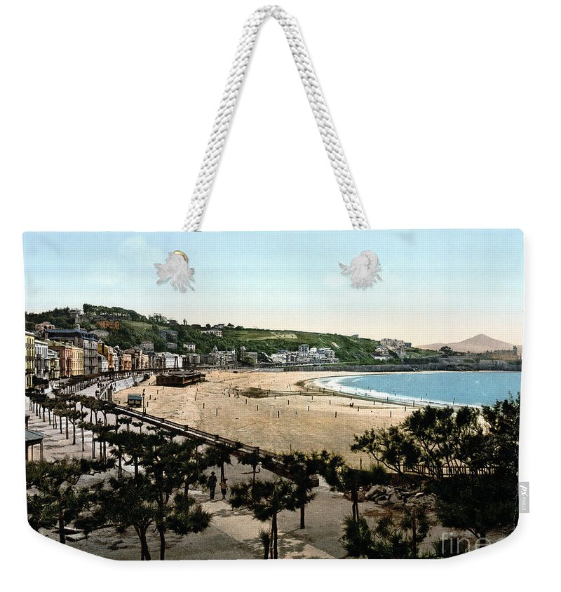 1890 Weekender Tote Bag featuring the photograph Spain: San Sebastian by Granger