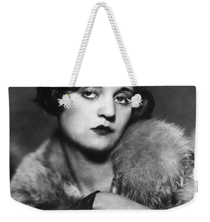 1920s Weekender Tote Bag featuring the photograph Tallulah Bankhead by Granger