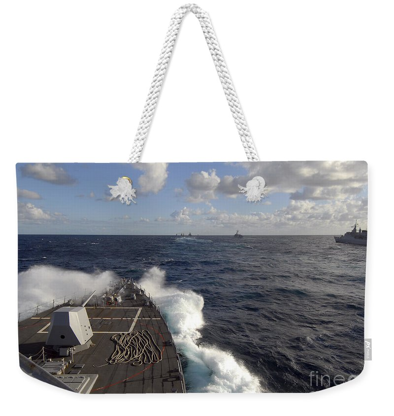 Uss Nitze Weekender Tote Bag featuring the photograph The Guided-missile Destroyer Uss Nitze by Stocktrek Images
