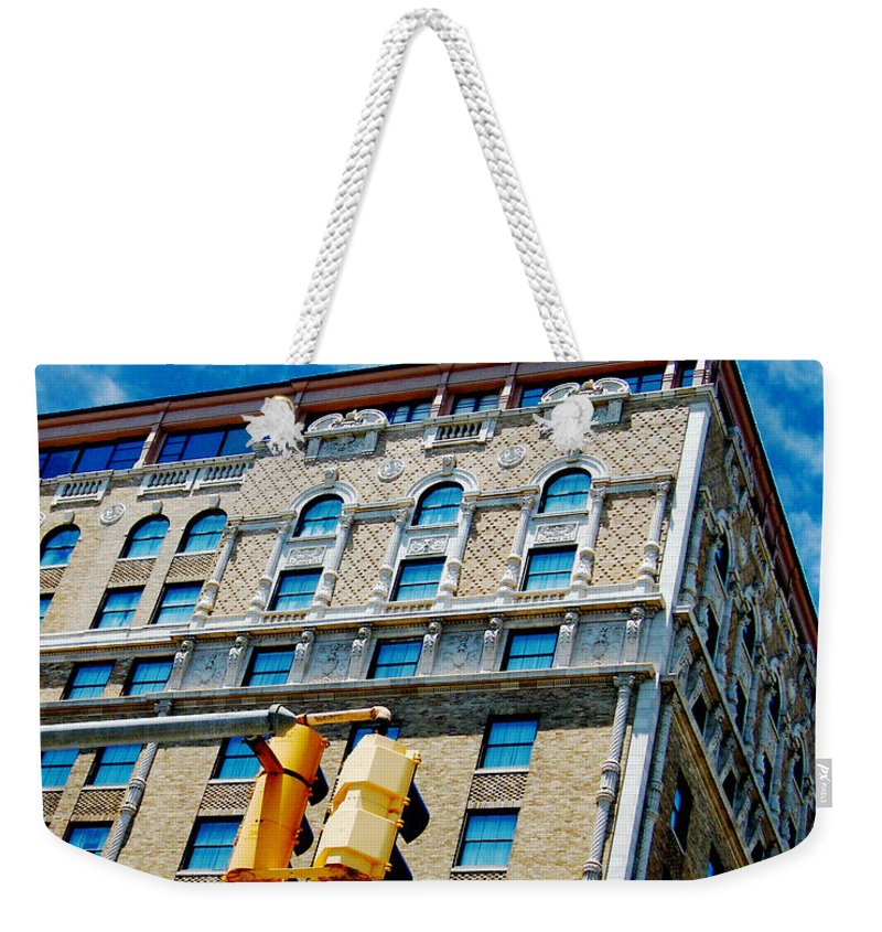 Peabody Hotel Weekender Tote Bag featuring the photograph The Peabody by Lizi Beard-Ward