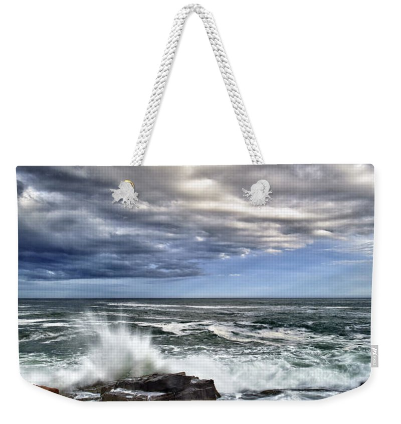 Maine Weekender Tote Bag featuring the photograph Thunder Hole by Rick Berk