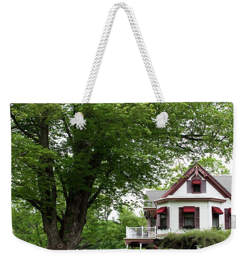 Country Setting Weekender Tote Bag featuring the photograph Wild Rose Inn Woodstock by Lorraine Devon Wilke