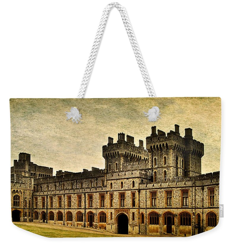 Yhun Suarez Weekender Tote Bag featuring the photograph Windsor Castle Upper Ward by Yhun Suarez