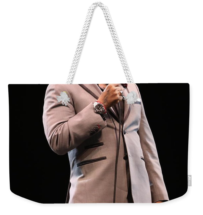Comedian Weekender Tote Bag featuring the photograph Comedian D.l. Hughley by Concert Photos