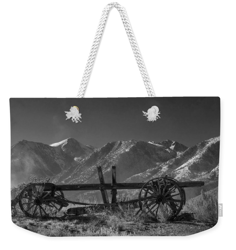 Abandoned Wagon In The High Sierra Nevada Mountains Weekender Tote Bag featuring the photograph Abandoned Wagon In The High Sierra Nevada Mountains by Frank Wilson