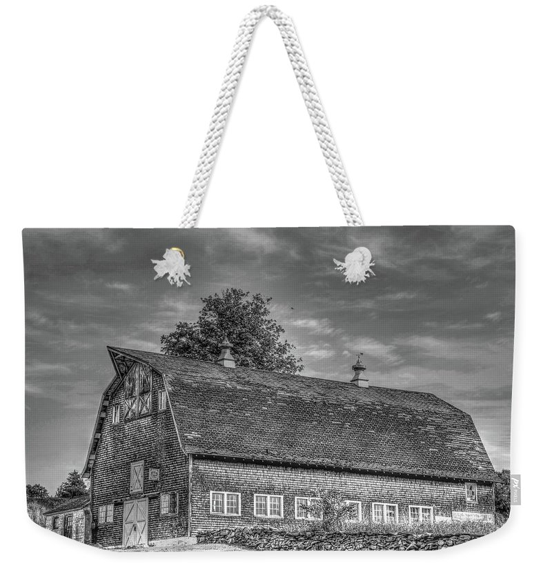 Barns Weekender Tote Bag featuring the photograph Ct. Barn by Terry McCarrick