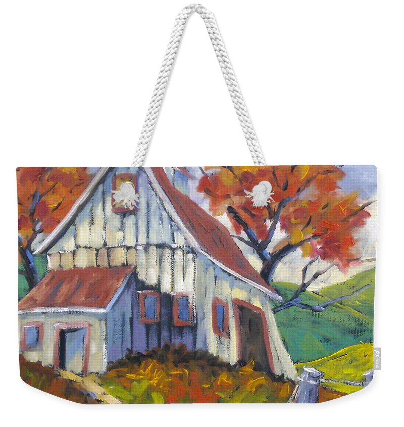 Hill Weekender Tote Bag featuring the painting Hillsidebarn by Richard T Pranke