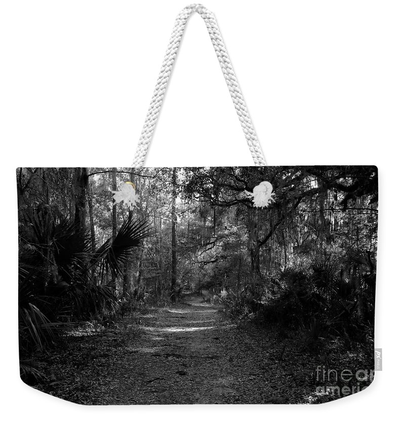 Road Weekender Tote Bag featuring the photograph Old Florida by David Lee Thompson