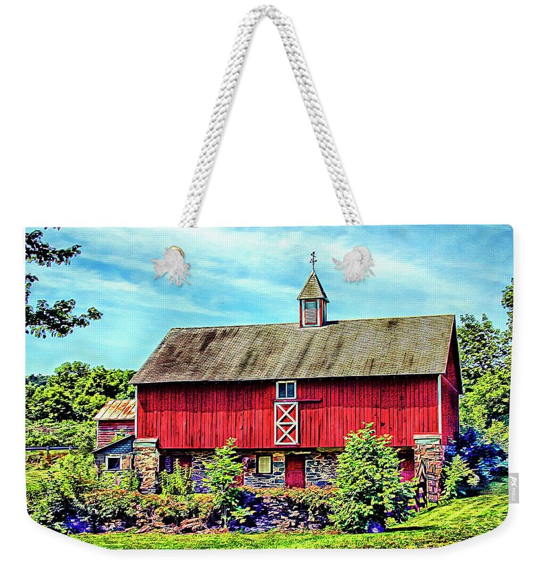 Pennsylvania Weekender Tote Bag featuring the photograph Pennsylvania Barn by Margie Wildblood