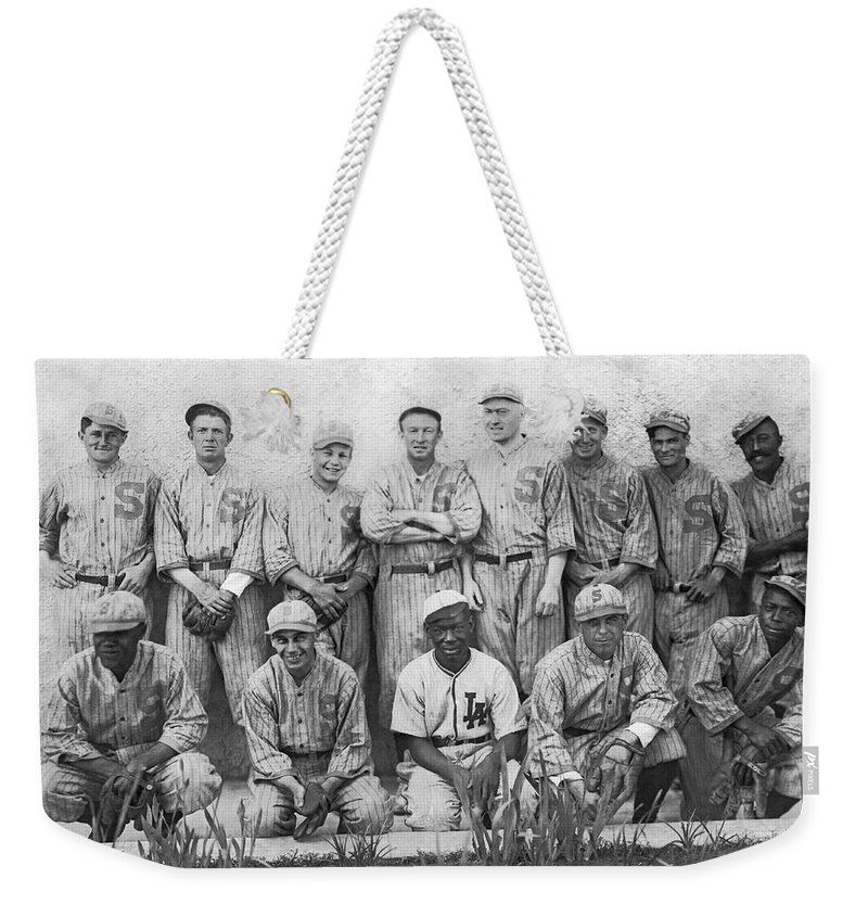 1910s Weekender Tote Bag featuring the photograph Sf Seals Baseball Team by Underwood Archives