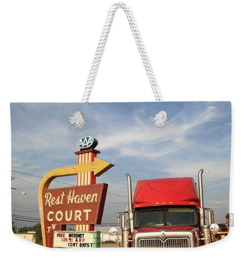 66 Weekender Tote Bag featuring the photograph Route 66 - Rest Haven Motel by Frank Romeo