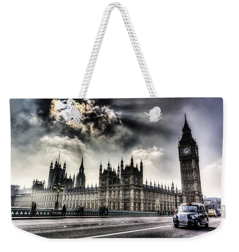 Big Ben Weekender Tote Bag featuring the photograph Westminster Bridge London by David Pyatt
