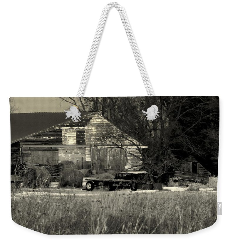 Shed Weekender Tote Bag featuring the photograph Heartland Of A Superpower by Curtis Tilleraas