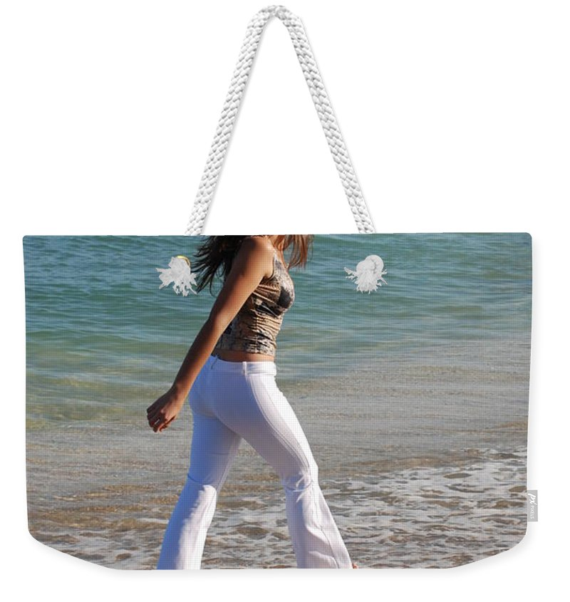 Women Weekender Tote Bag featuring the photograph Gisele by Rob Hans