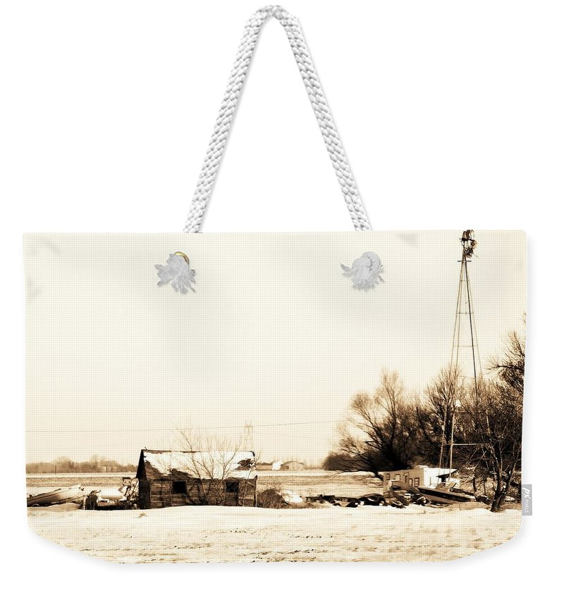 Shack Weekender Tote Bag featuring the photograph Heartland Of A Superpower by Curtis Tilleraas