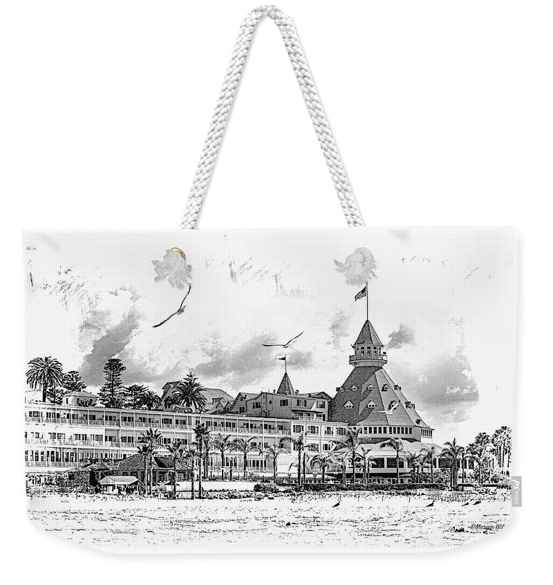 Beach Weekender Tote Bag featuring the photograph Hotel Del Coronado by Margie Wildblood