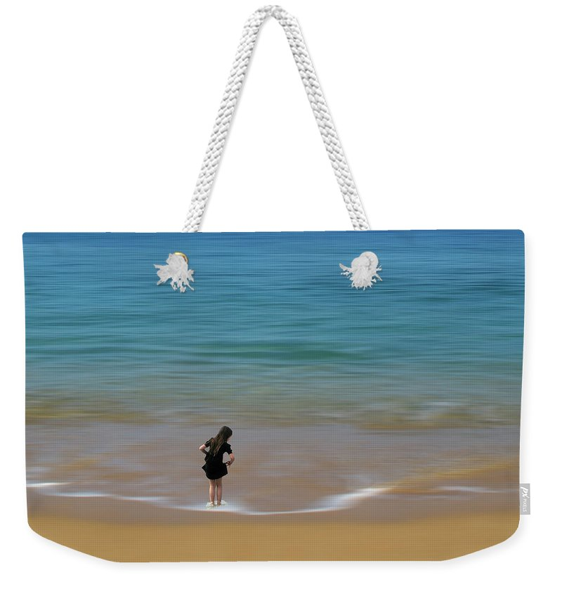 Girl Weekender Tote Bag featuring the photograph 4391 by Peter Holme III
