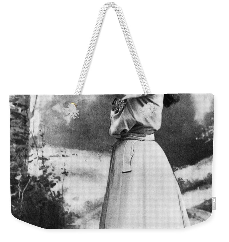 19th Century Weekender Tote Bag featuring the photograph Annie Oakley (1860-1926) by Granger