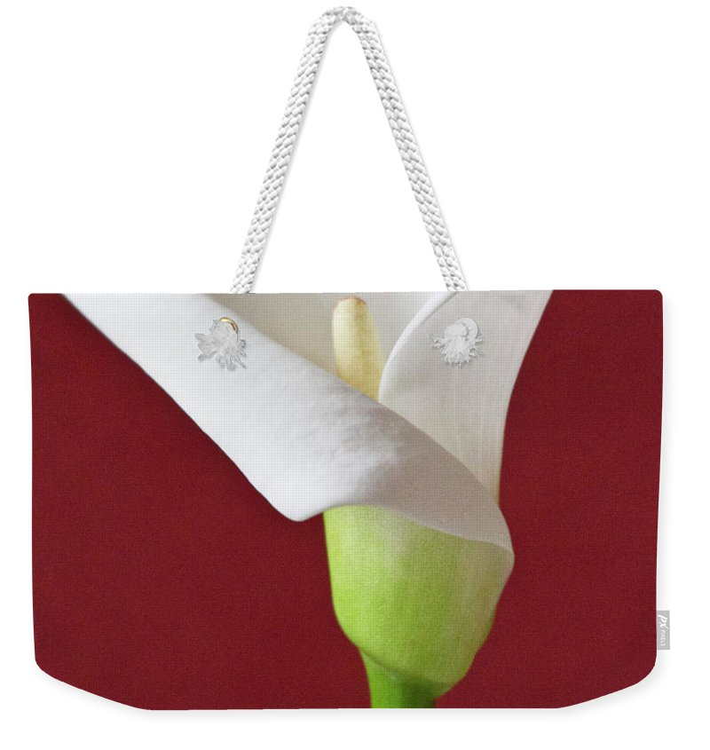 Calla Weekender Tote Bag featuring the photograph White Calla by Heiko Koehrer-Wagner