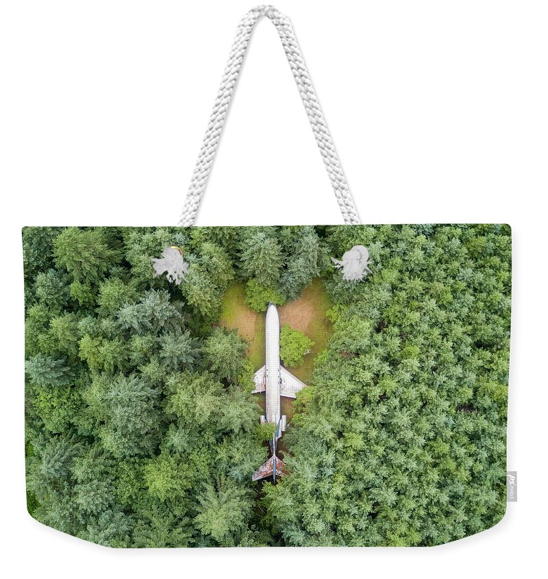 727 Weekender Tote Bag featuring the photograph 727 Airplane House by Rand