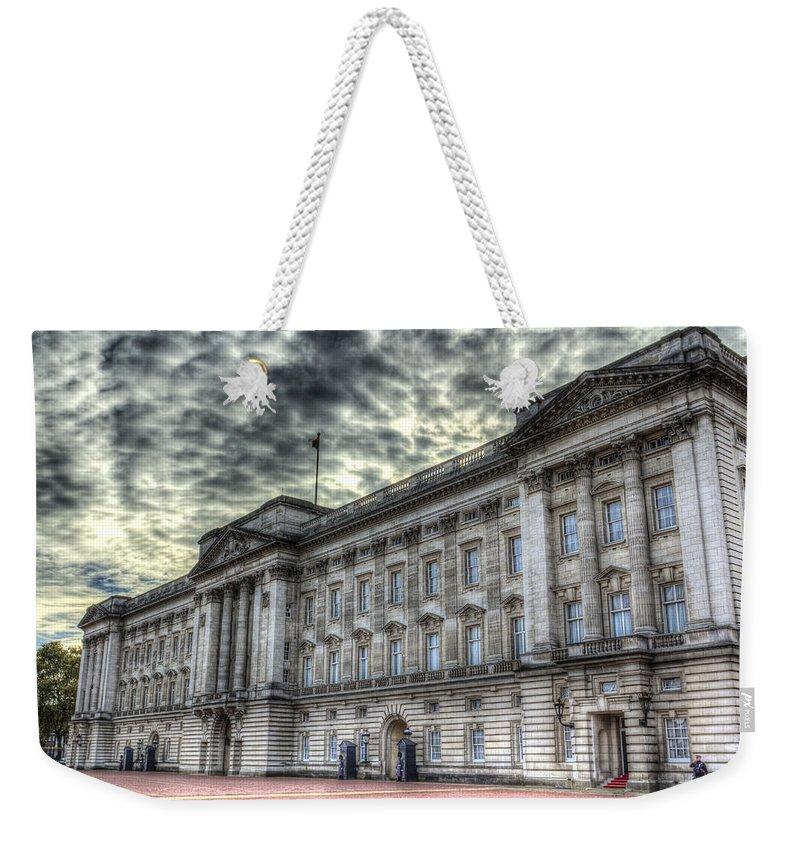 Buckingham Palace Weekender Tote Bag featuring the photograph Buckingham Palace by David Pyatt
