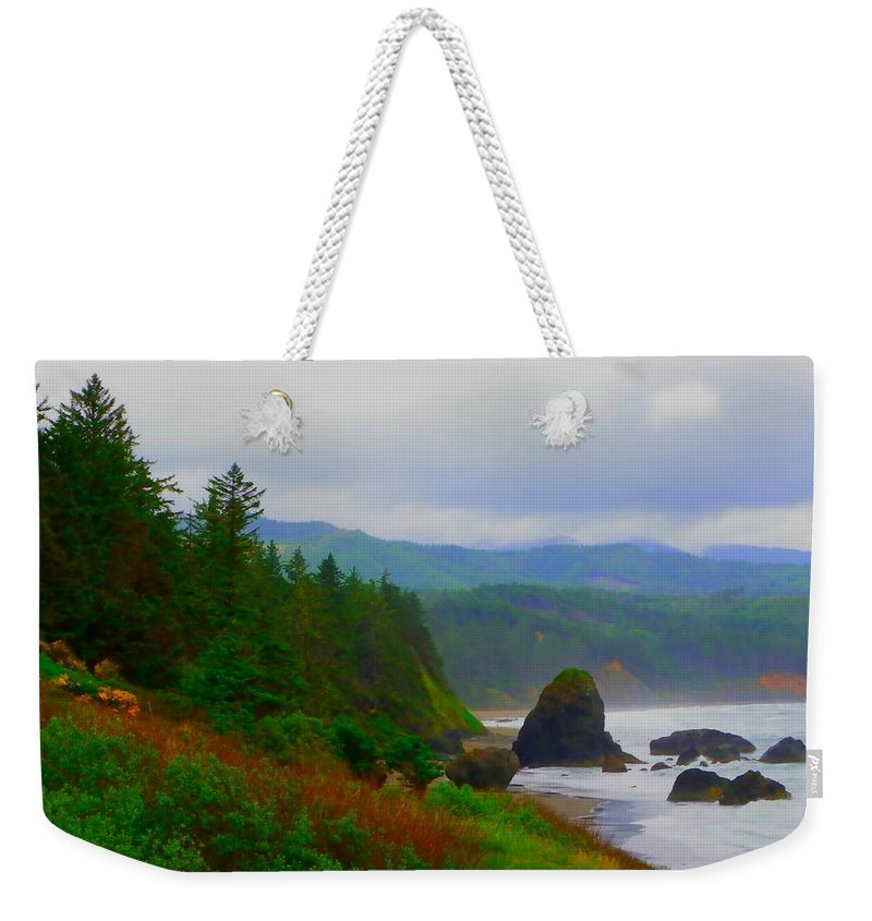 Outside Weekender Tote Bag featuring the photograph A Glimpse Of Oregon by Charleen Treasures