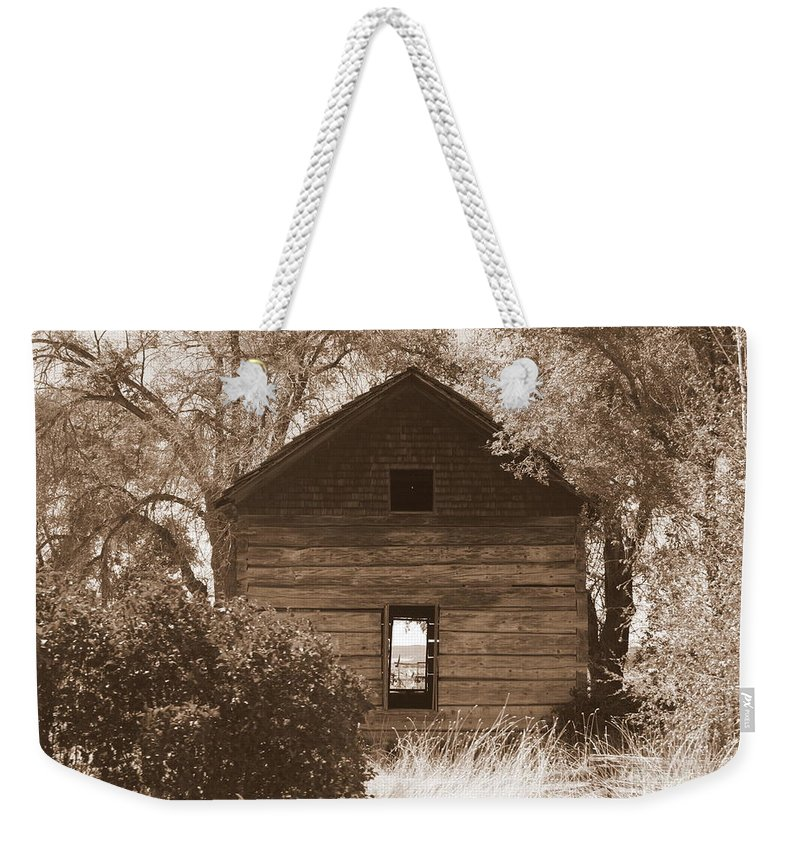 Old Cabin Weekender Tote Bag featuring the photograph A Room With A View by Carol Groenen