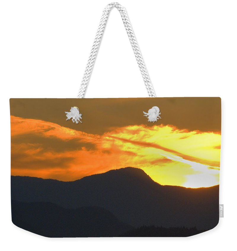 Vancouver Weekender Tote Bag featuring the photograph A Vancouver Sunset by Richard Henne