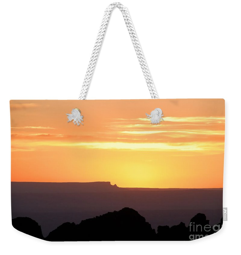 Western Us Weekender Tote Bag featuring the photograph A Western Sunset by David Lee Thompson