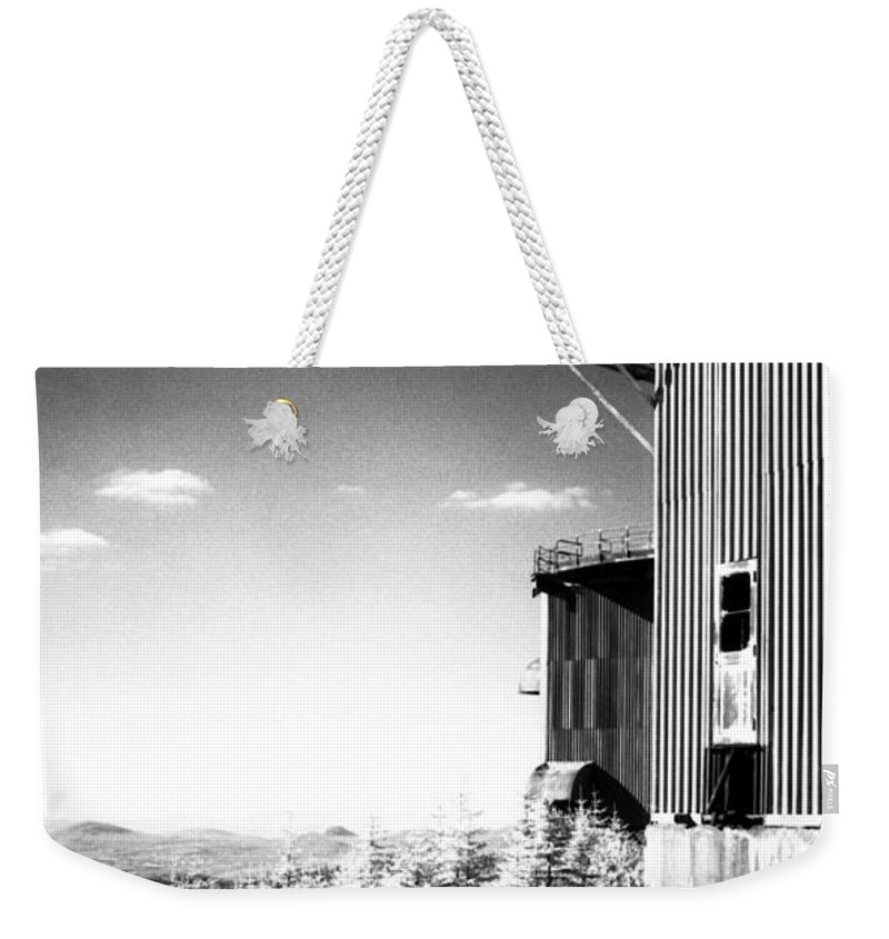 Abandoned Weekender Tote Bag featuring the photograph Abandoned Radar by Richard Rizzo