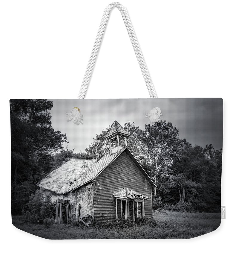Ohio Weekender Tote Bag featuring the photograph Abandoned Schoolhouse by Tom Mc Nemar