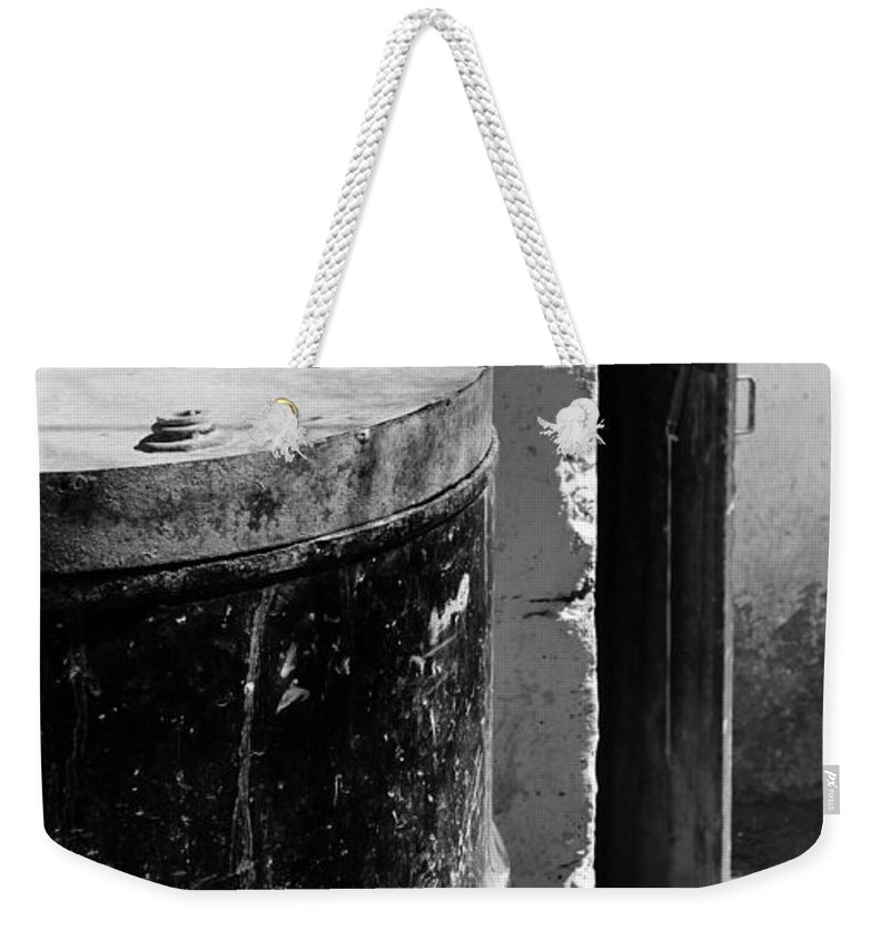 Skip Hunt Weekender Tote Bag featuring the photograph Agua by Skip Hunt