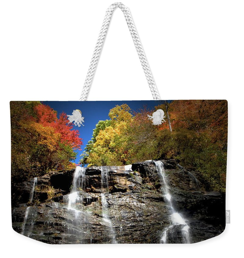 Amicalola Weekender Tote Bag featuring the photograph Amicalola Falls by Dick Goodman