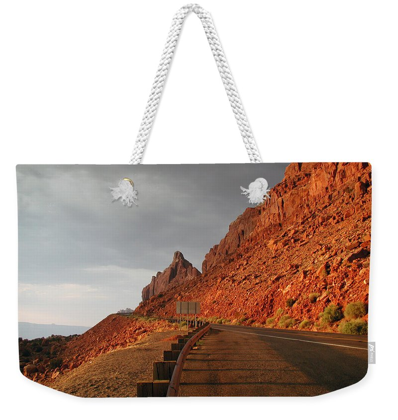Us 89 Weekender Tote Bag featuring the photograph An Evening In Paige by D'Arcy Evans