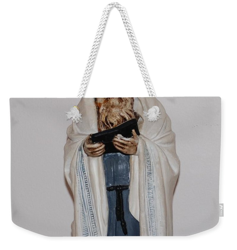 Rabbi Weekender Tote Bag featuring the photograph An Old Rabbi by Rob Hans
