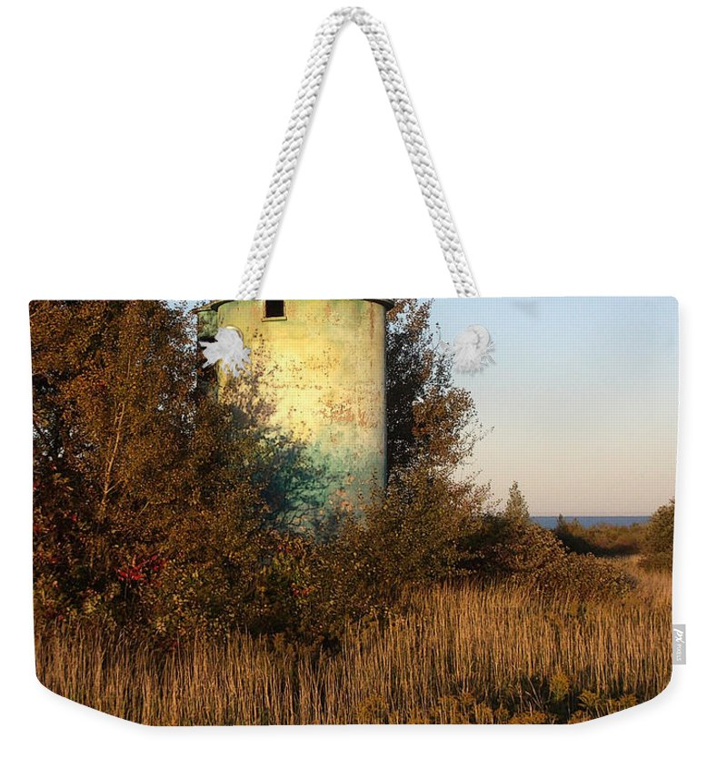 Silo Weekender Tote Bag featuring the photograph Aqua Silo by Tim Nyberg