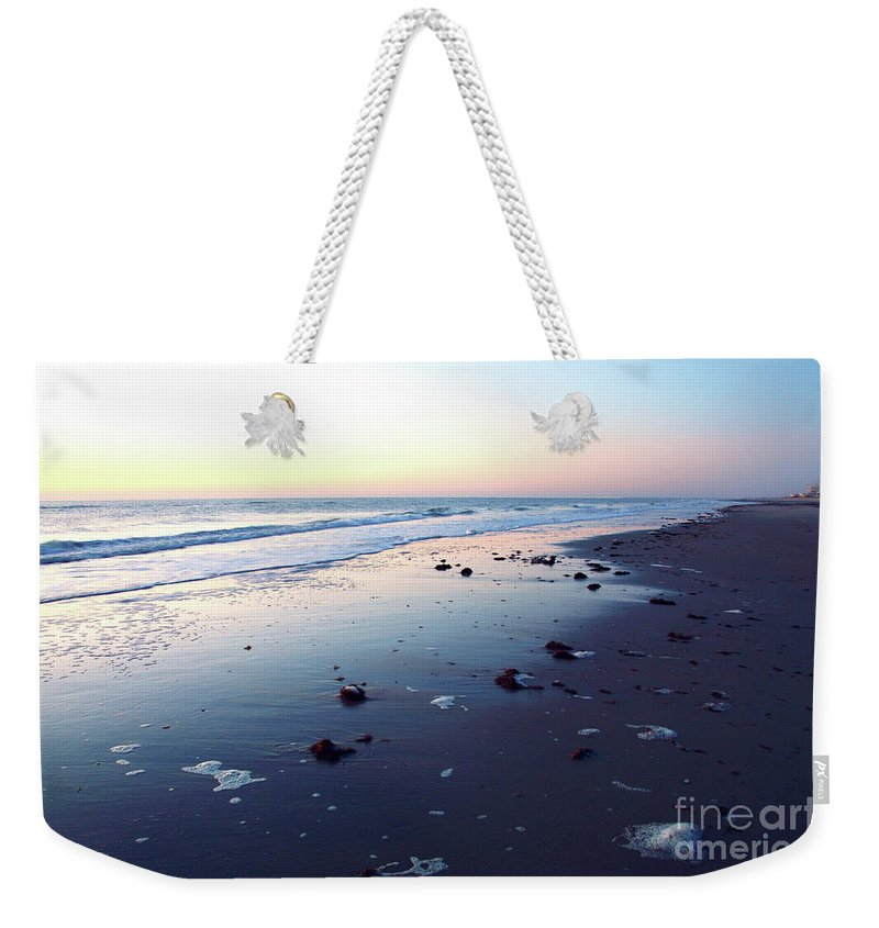 America Weekender Tote Bag featuring the photograph Arms Wide Open by Robyn King